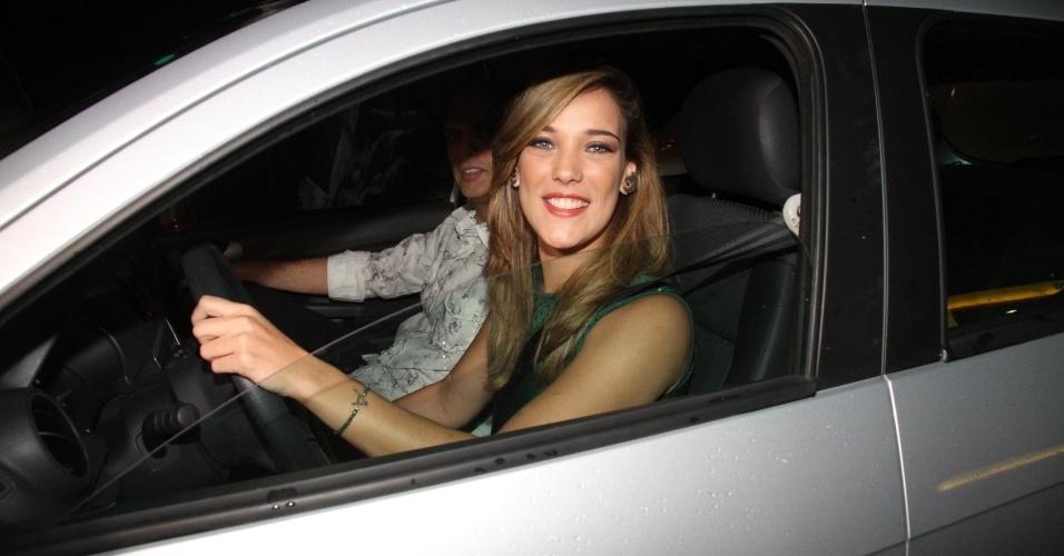 13.mar.2015 - Adriana Birolli chega para a festa do último capítulo de
