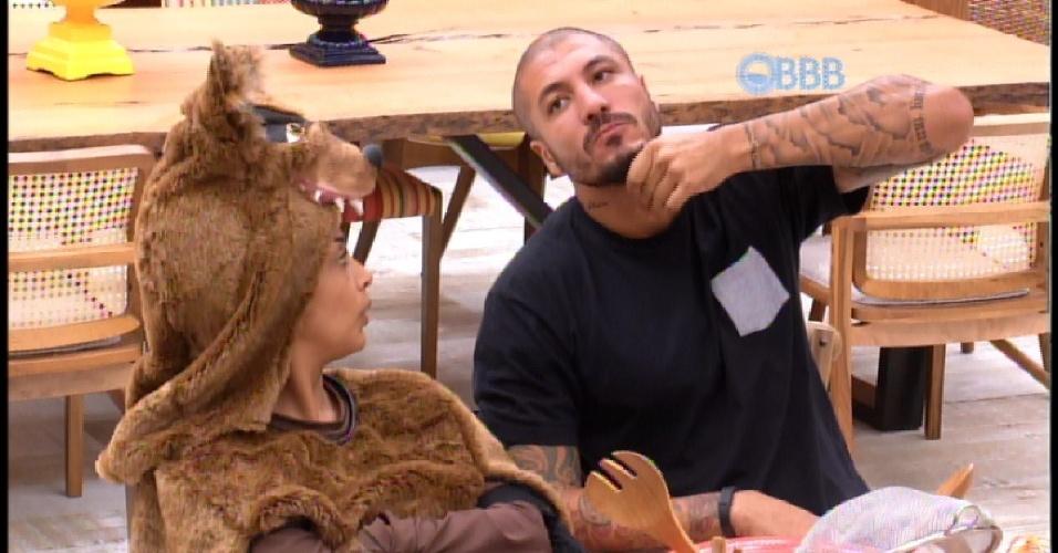 14.mar.2015 - Amanda e Fernando falam sobre perguntas e respostas no confessionário