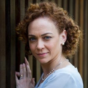 Laila Garin pede que público respeite o ator no teatro  - Divulgação