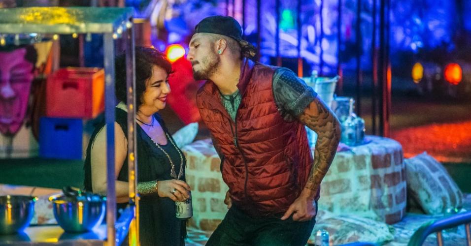 14.mar.2015 - Fernando dança com Mariza no Baile Carioca, que teve show de Naldo e Anitta