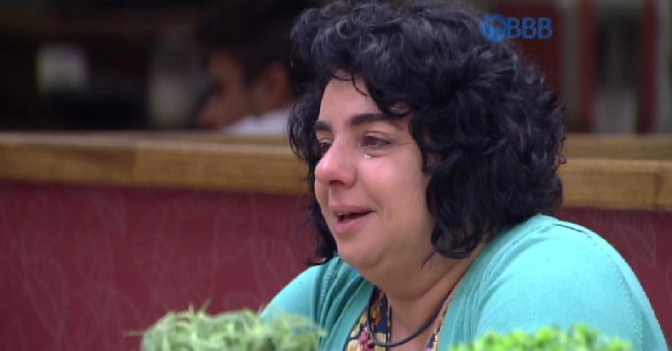 """16.mar.2015 - Mariza desabafa com Rafael e elogia o brother. """"Estava arrumando minha cama e lembrei quanto eu me encantei quando você chegou. Você é um menino virtuoso. Você recebeu muitos dons e é um privilegiado"""", afirma"""