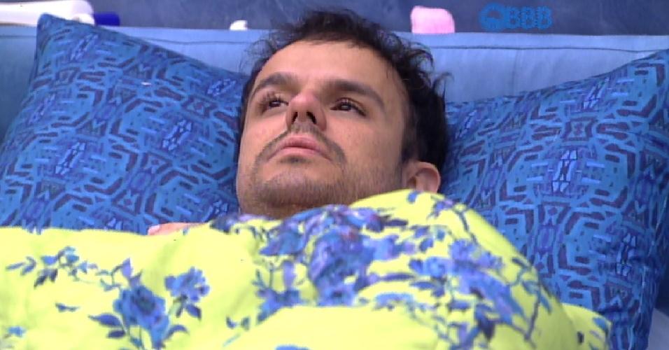 16.mar.2015 - No quarto azul, Adrilles diz para Mariza que acredita na eliminação de Rafael em paredão do estudante contra Cézar