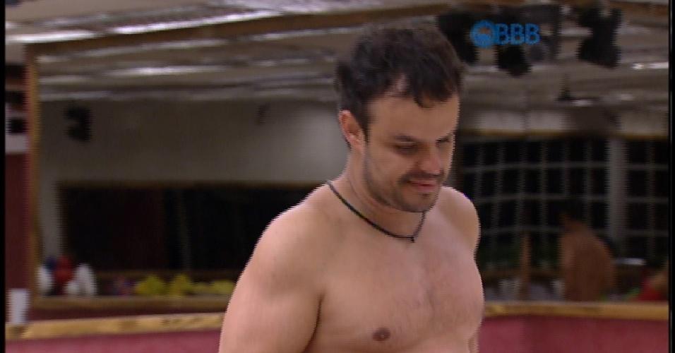 17.mar.2015 - Adrilles conta que Rogério Flausino, do J Quest morou de favor na casa de uma de suas tias