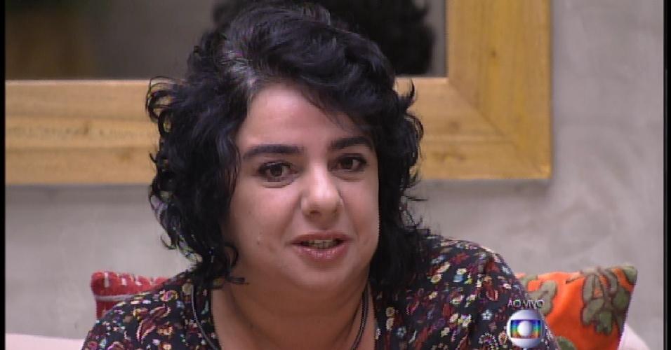 17.mar.2015 - Bial pergunta para Mariza sobre Cézar