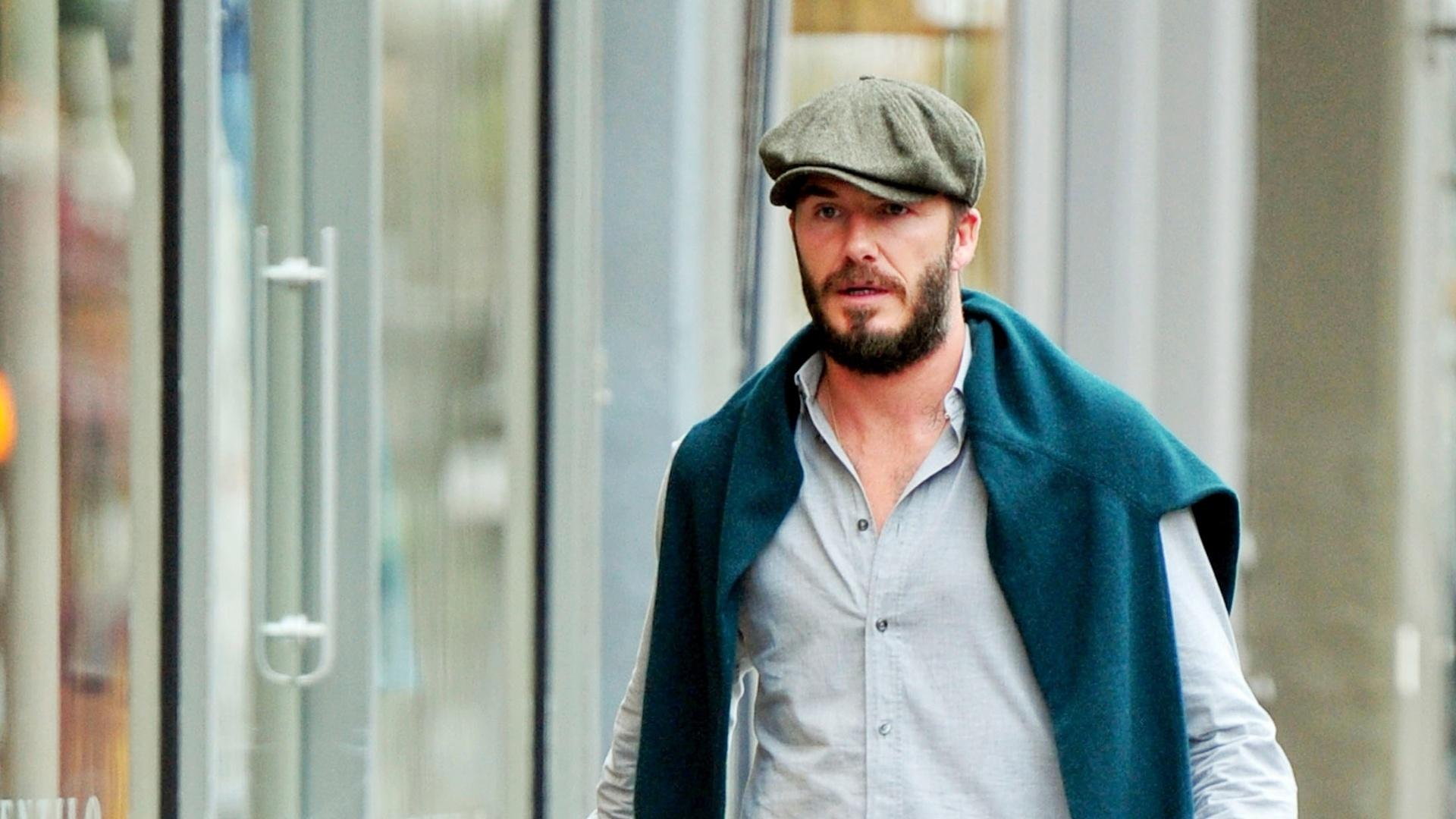 17.mar.2015 - David Beckham é clicado enquanto faz compras com a filha
