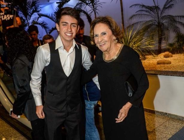 17.mar.2015 - Laura Cardoso na cerimônia de entrega dos prêmios aos melhores das artes da APCA, no Teatro Paulo Autran, em São Paulo