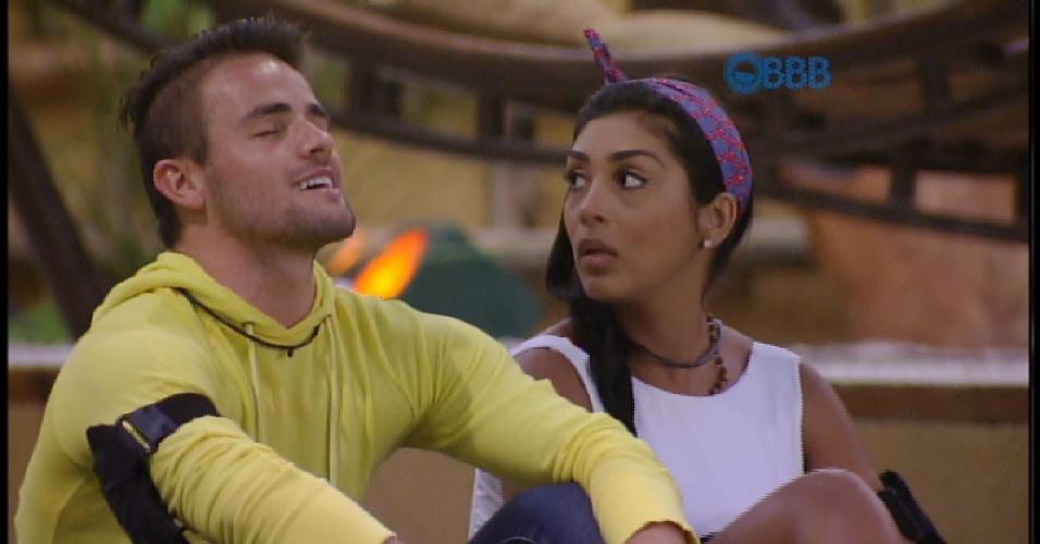 17.mar.2015 - Rafael canta Capital Inicial e diz que DJ está em homengem à Talita