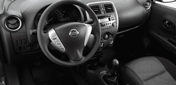 Nissan Versa 1.0 S 2016 - Murilo Góes/UOL - Murilo Góes/UOL