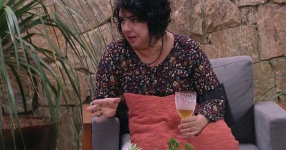 18.mar.2015 - Mariza admite que Adrilles seria um bom partido para ela. ?Você me atrairia fortemente?, disse a professora