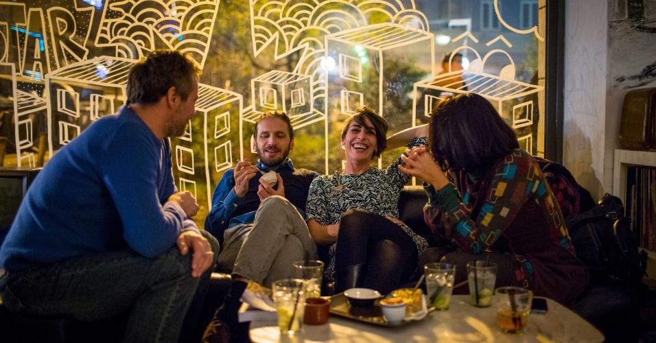 Se quiser ouvir boa música em Roma, passe pelo Yeah! Pigneto, um café despretensioso onde bandas locais e DJs se apresentam em meio à decoração vintage nos fins de semana