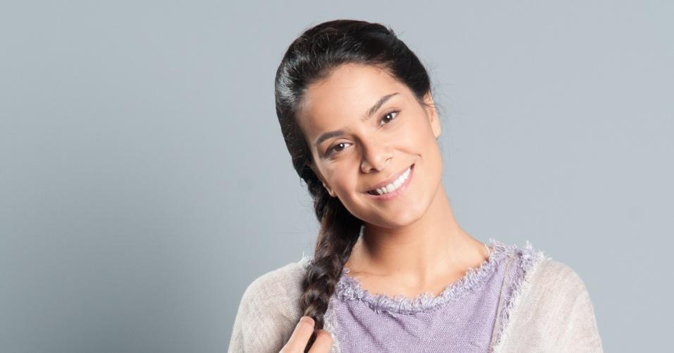 ABIGAIL (Bianka Fernandes): Vive com a irmã Leila e trabalha como escrava