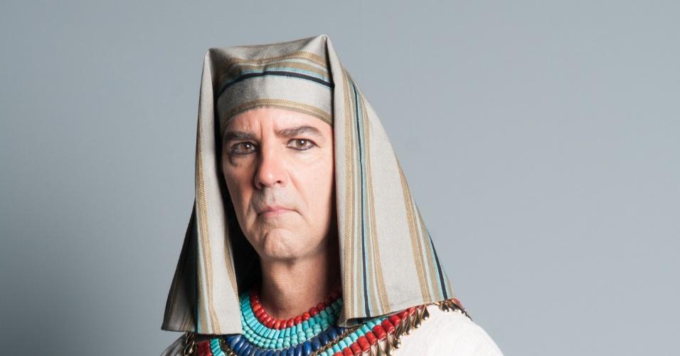 HUR (Floriano Peixoto): Pai de Uri (Rafael Sardão), é hebreu e assimilou como poucos a cultura egípcia.