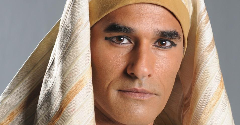 MEKETRE (Luciano Szafir): Rico comerciante de madeira, tem livre acesso ao palácio