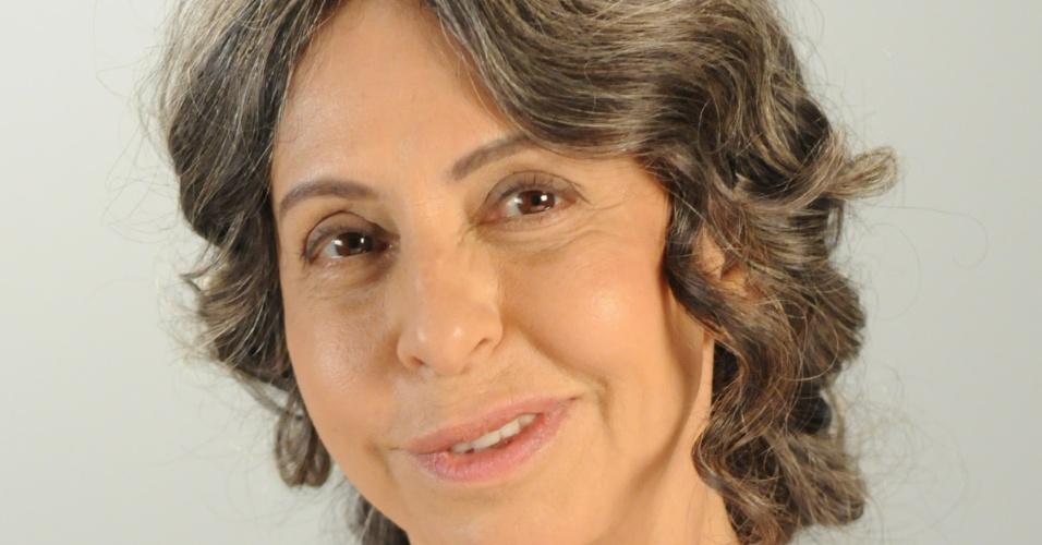 SIFRÁ (Stella Freitas): Parteira experiente, temente a Deus. Faz o parto de Moisés (Guilherme Winter). É bem humorada, bondosa e incansável na luta para salvar as crianças hebreias