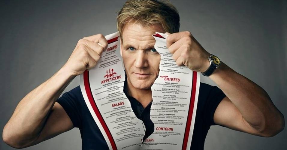 Gordon Ramsay apresenta o programa Kitchen Nightmares, onde ajuda restaurantes que estão perto de falir a se reerguerem