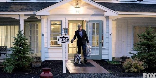 Gordon Ramsay também apresenta o programa Hotel Hell, que ajuda hotéis com problemas financeiros