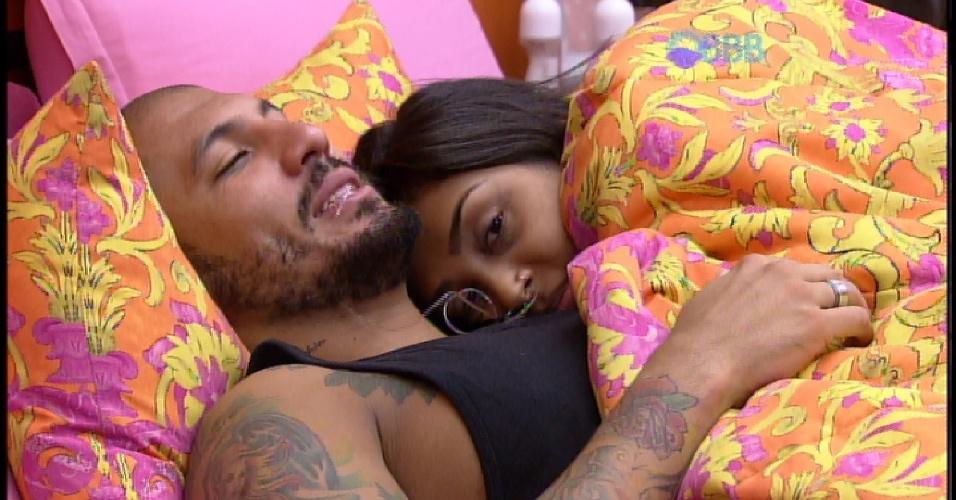 """20.mar.2015 - Amanda afirma para Fernando: """"Eu tô querendo fazer amor"""""""