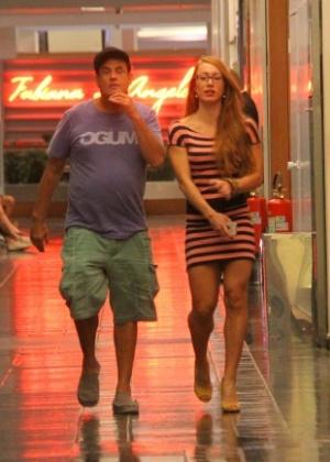 Em abril, Sérgio Mallandro e a ex-BBB Aline Dahlen foram flagrados juntos, mas negaram um romance na época