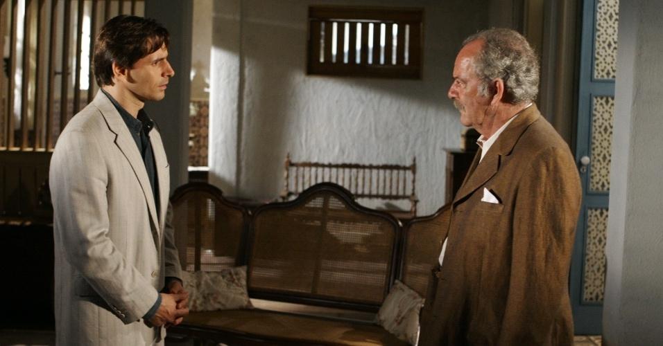 Murilo Rosa, como Miguel e Claudio Marzo, como Lázaro em cena da novela Desejo Proibido em 2008