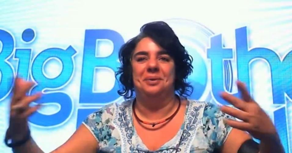 23.mar.2015 - No Raio-X, a pernambucana Mariza se emociona ao falar de sua amizade com Adrilles. Ela enfrenta o seu terceiro paredão, em disputa contra Cézar