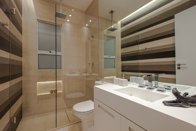 Banheiros a partir de 2,72 m² são ampliados por louças e móveis sob medida   -> Cuba Banheiro Grande