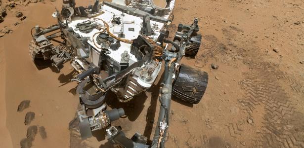 Em imagem feita pelo robô Curiosity, dois tons de minerais são encontrados em um local chamado Cidade Jardim no Monte Sharp, montanha localizada no centro da cratera Gale, no planeta Marte