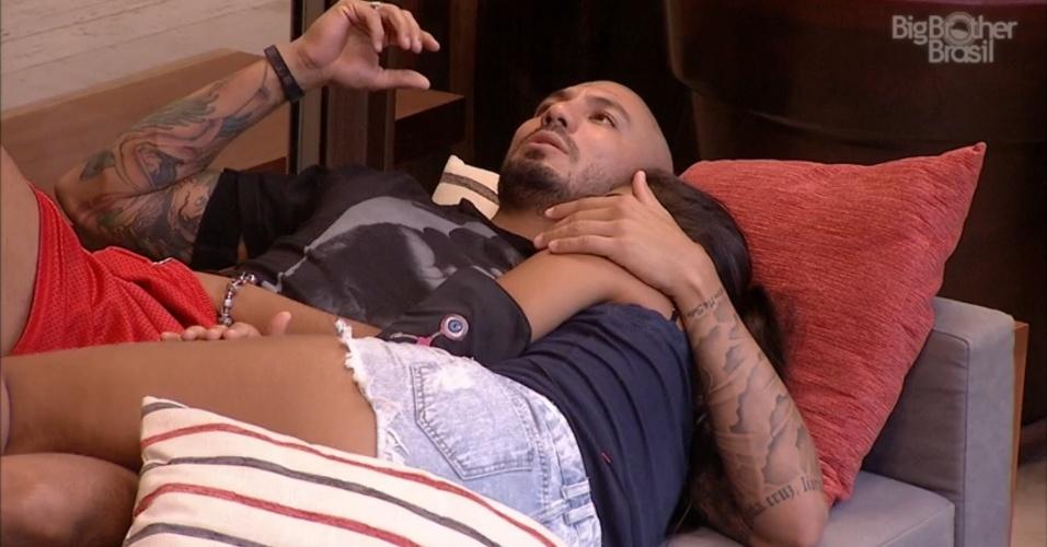 24.mar.2015 - Fernando afirma que quer preservar um mínimo da relação com Aline
