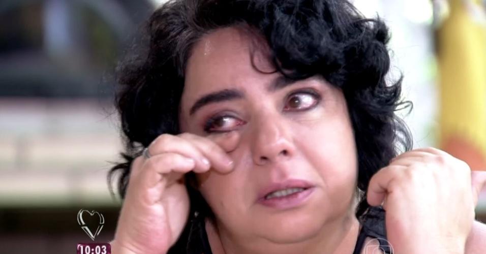 """23.mar.2015 - Mariza se emociona no programa """"Mais Você"""". Ela foi a nona eliminada do """"BBB15"""""""