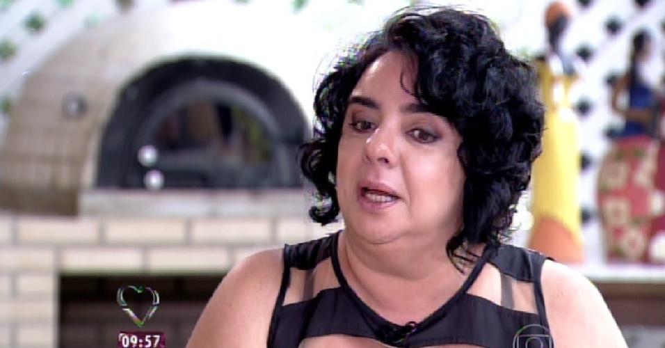 """23.mar.2015 - Nona eliminada do """"BBB15"""", Mariza conversa com Ana Maria Braga e chora ao lembrar de sua experiência no reality show"""