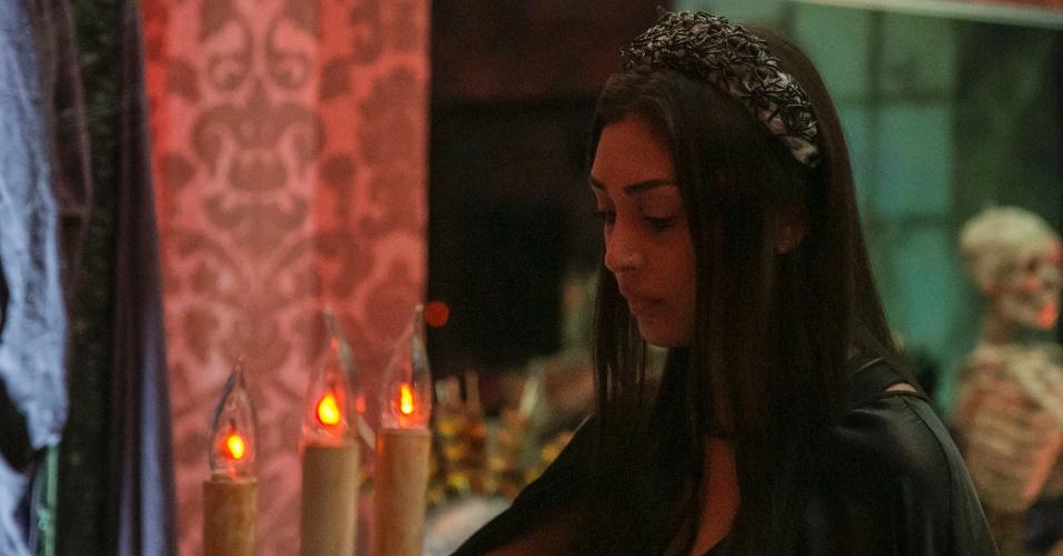 26.mar.2015 - Amanda ficou boa parte da festa Noite Mal-Assombrada cabisbaixa. Ela chegou a pedir Fernando em namoro, que recusou