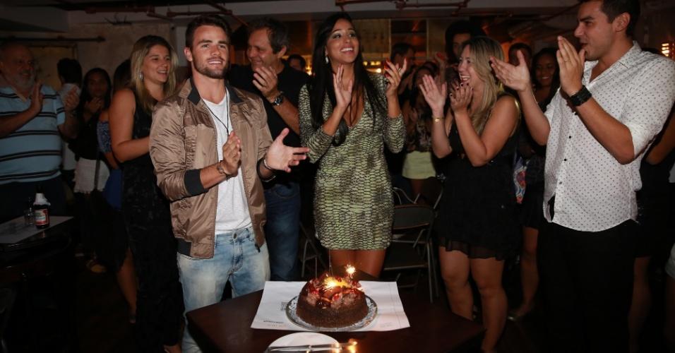 26.mar.2015 - Talita comemorou o aniversário em companhia de Rafael em uma casa noturna no Rio de Janeiro