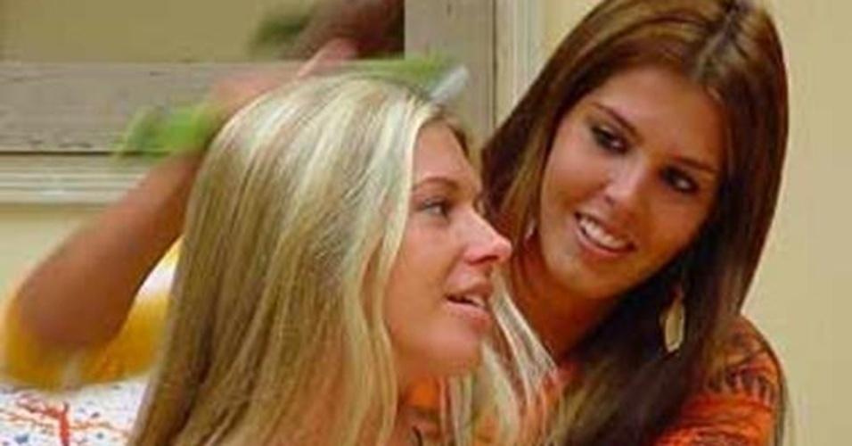 """A argentina Antonela e a paraense Marcela foram muitos amigas durante o """"BBB4"""""""