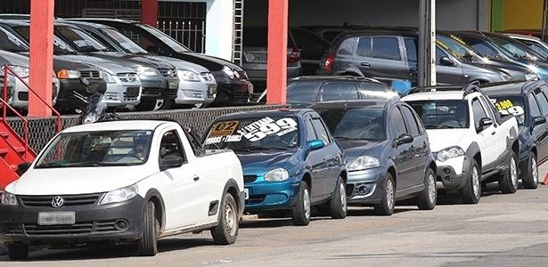 """Medida afeta especialmente quem trabalha com usados, já que produtos oferecidos por esses vendedores já possuem """"ficha corrida"""" na praça - Robson Ventura/Folhapress"""