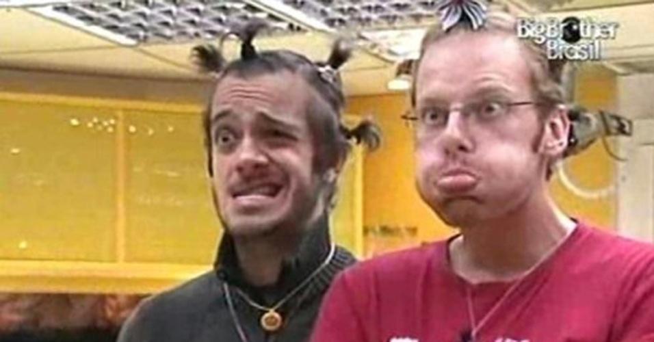 """Também durante o """"BBB10"""", Max e Flávio eram grandes amigos e tentavam se divertir a todo o momento"""