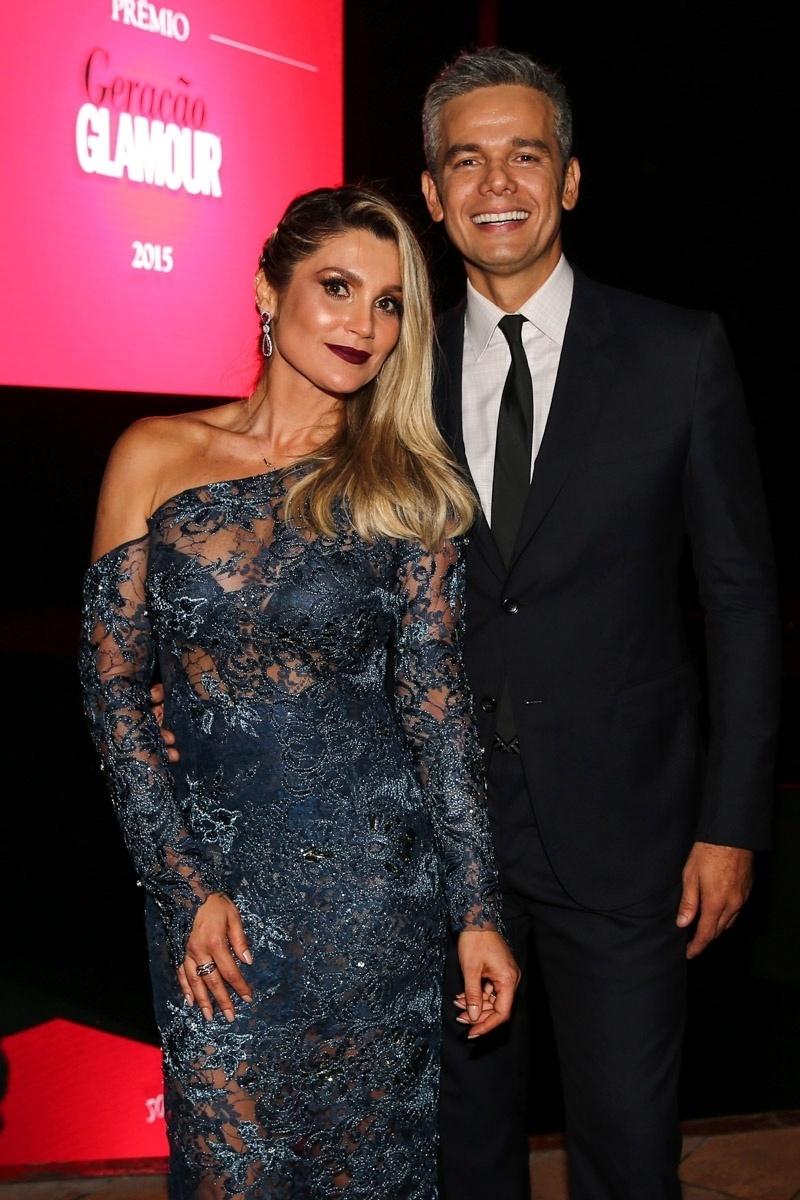 26.mar.2015 - Flávia Alessandra leva o marido, Otaviano Costa, ao Prêmio Geração Glamour, no Nacional Club, zona oeste de São Paulo, nesta quinta-feira