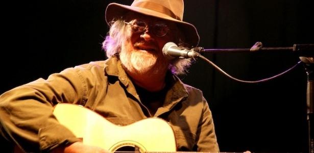 O guitarrista John Renbourn