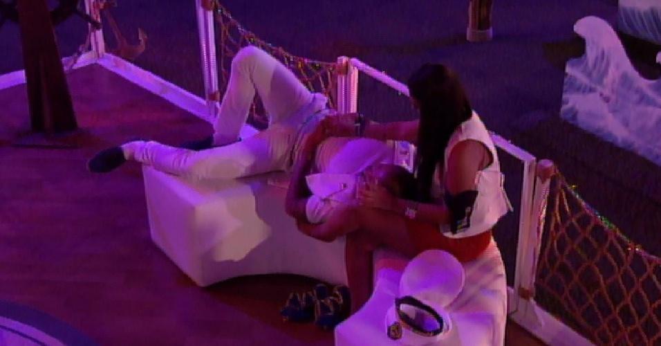 28.mar.2015 - Amanda diz que Fernando está com a energia pesada