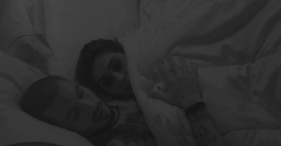 28.mar.2015 - Fernando reclama de Amanda