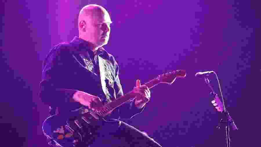 29.mar.2015 - Billy Corgan do Smashing Pumpkins se apresenta no palco axe no segundo dia do Lollapalooza 2015, em São Paulo - Junior Lago/UOL