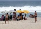 """Fora do """"BBB15"""", casal Talita e Rafael curte dia em praia do Rio de Janeiro - Wallace Barbosa/AgNews"""