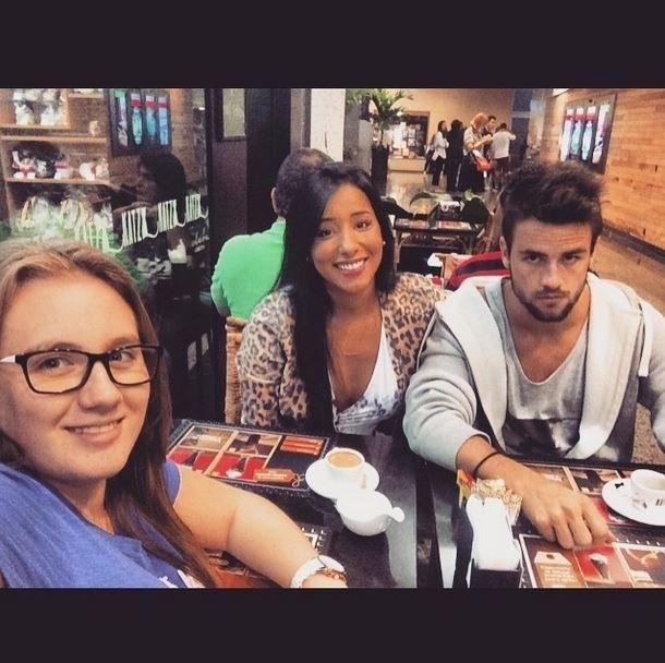 29.mar.2015 - Talita e Rafael vão ao cinema