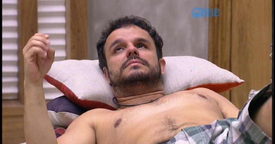 30.mar.2015 - Adrilles considera os últimos dias de confinamento angustiantes, e diz que só é bom para quem namora