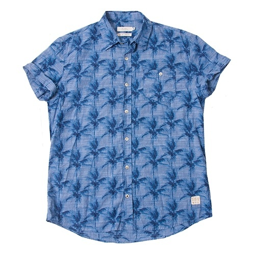Camisas estampadas de manga curta invadem o guarda-roupa masculino ... 022e11d8ea2