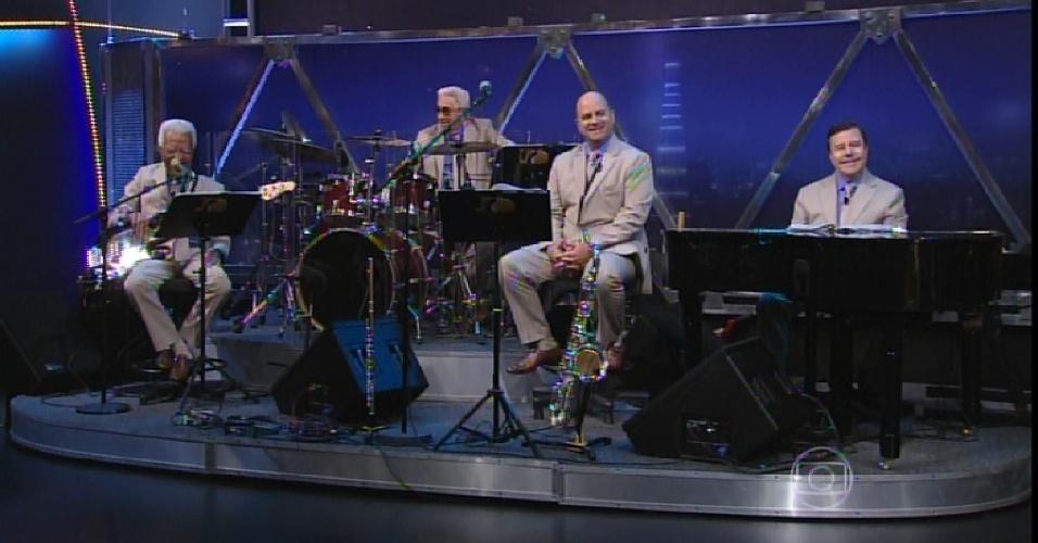 30.mar.2015 - Bira, Miltinho, Derico e Osmar fazem parte da nova formação do ex-Sexteto do Jô, que agora se transformação em Quarteto