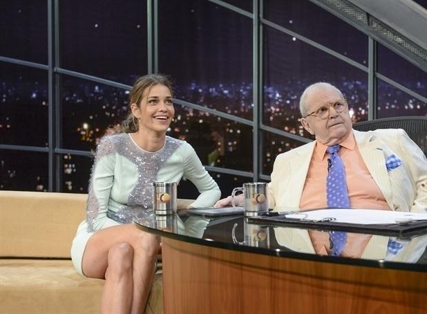 "30.mar.2015 - Jô Soares reestreia seu ""Programa do Jô"" na noite desta segunda-feira e recebe a top model Ana Beatriz Barros como convidada"