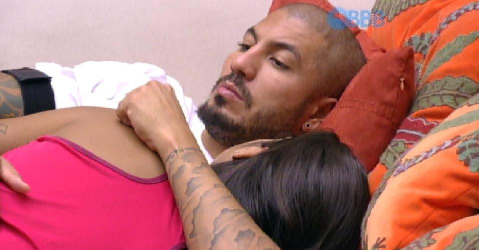 31.mar.2015 - Após noite sem 'namoro', Fernando questiona Amanda