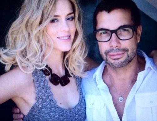 """1.abr.2015 - Sophia Abrahão ficou loura para gravar uma matéria com o cabeleireiro Fernando Torquatto. """"Essa versão da @sophiaabrahao é apenas para uma matéria comigo.Mas ela fica super bem loura mesmo!"""", explicou Torquatto em seu twitter"""