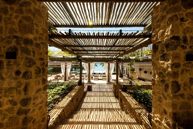 finalista-e-preferido-do-publico-premio-casa-claudia-design-de-interiores-2015---categoria-jardins-alex-hanazaki-paisagismo-1427892590242_747x500.jpg