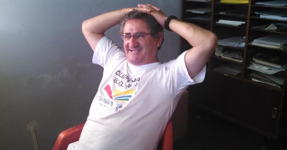 Sérgio Miranda, na sede da Associação Atlética Batel, lembra dos tempo em que treinava Cézar no Danúbio