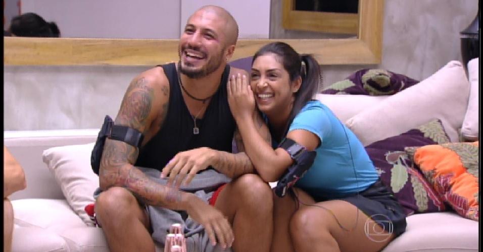 2.mar.2015 - Bial chama Fernando de Felipe e deixa casal sem graça